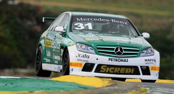 Foto Legenda 05 coluna nº 1615 - C 250 no Mercedes-Benz Challenge