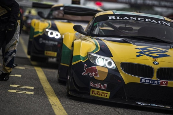 fiagt-bmw-team-brazil-700