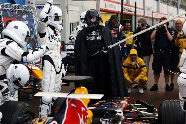 infiniti-red-bull-crew-dresses-as-stormtrooper-clones-for-star-wars-day_2