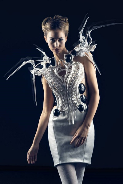2016-audi-a4-joins-3d-printed-dresses-that-move-or-make-smoke-in-berlin-video-photo-gallery_1
