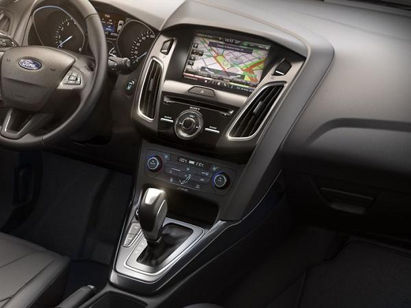 Ford Focus Fastback-Interior1