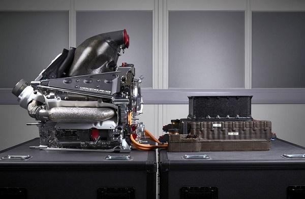 Mercedes-2015-Launch-Studio-10-27-2014-5-14-19-PM-750x490
