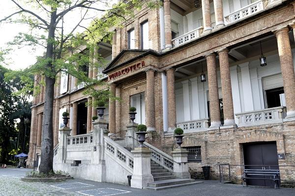 PINACOTECA –  SÃO PAULO (SP) – 22.09.2015 – GERAL –  Pinacoteca do Estado de São Paulo. Vista da fachada, área expositiva de esculturas, pinturas e acervo pemanente.  FOTO: JOSE CORDEIRO/SPTURIS